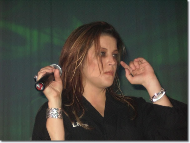 Lisa Marie Presley | In Concert March 21, 2004 | Crown Casino Melbourne